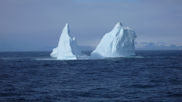 the iceberg is melting essay I've studied larsen c and its giant iceberg for years - it's not a simple story of climate change july 12 , 2017 5 swansea university provides funding as a member of the conversation uk view all partners republish this article republish our articles for free, online or in print.