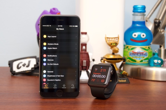 Let's get a dark theme for the whole phone and not just the watch app, hmm?