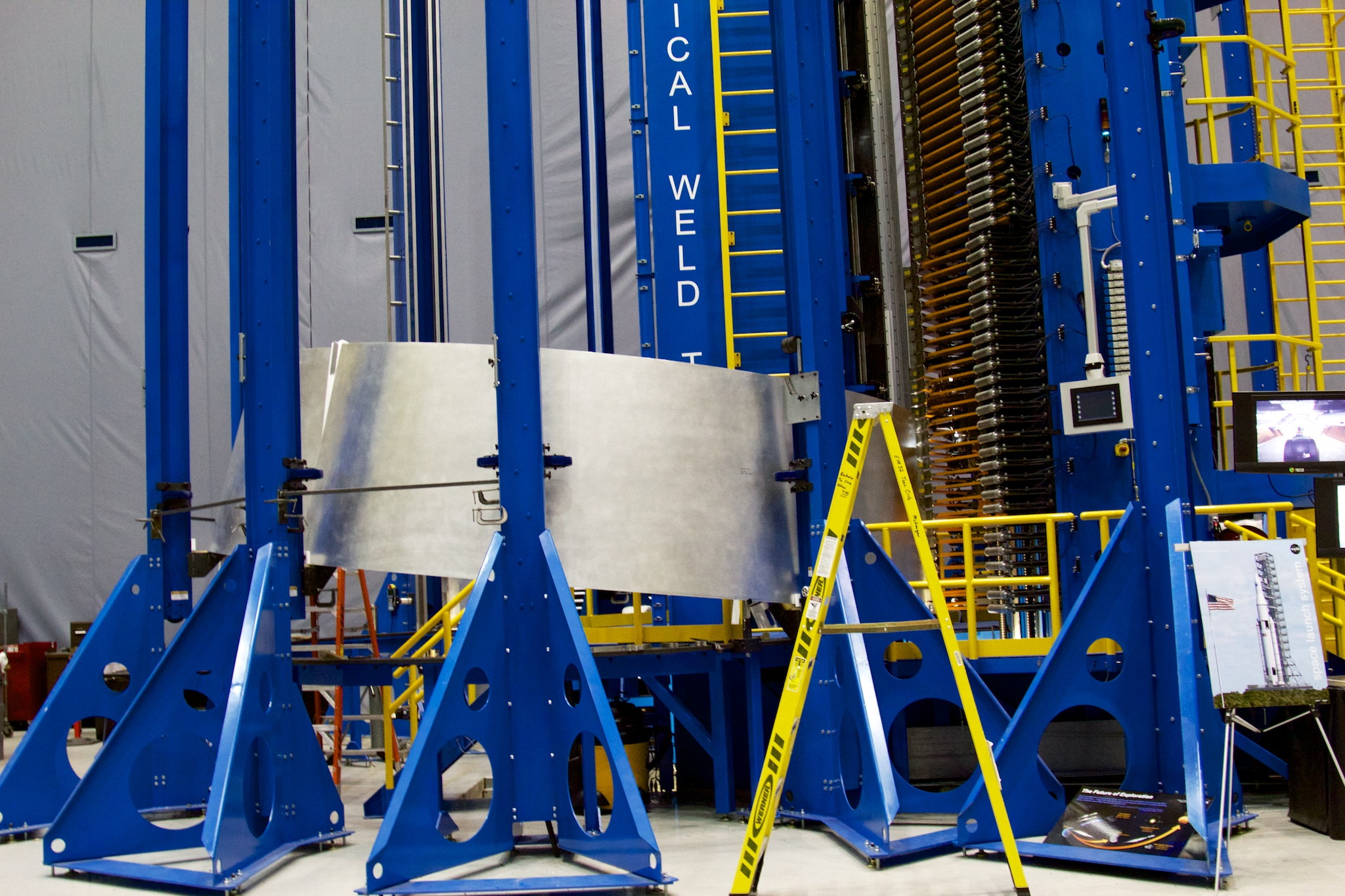 "The Vertical Weld Tool at the Marshal Space Flight Center, which uses <a href=""https://en.wikipedia.org/wiki/Friction_stir_welding"">friction stir welding</a> to construct rocket segments. Dynetics is using the same techniques for its cryogenic tankage."