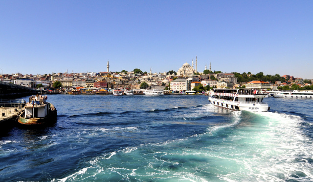 As French taxi drivers protest, UberBoat arrives in Istanbul as on-demand ferry
