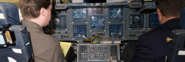 space shuttle cockpit trainer - photo #10