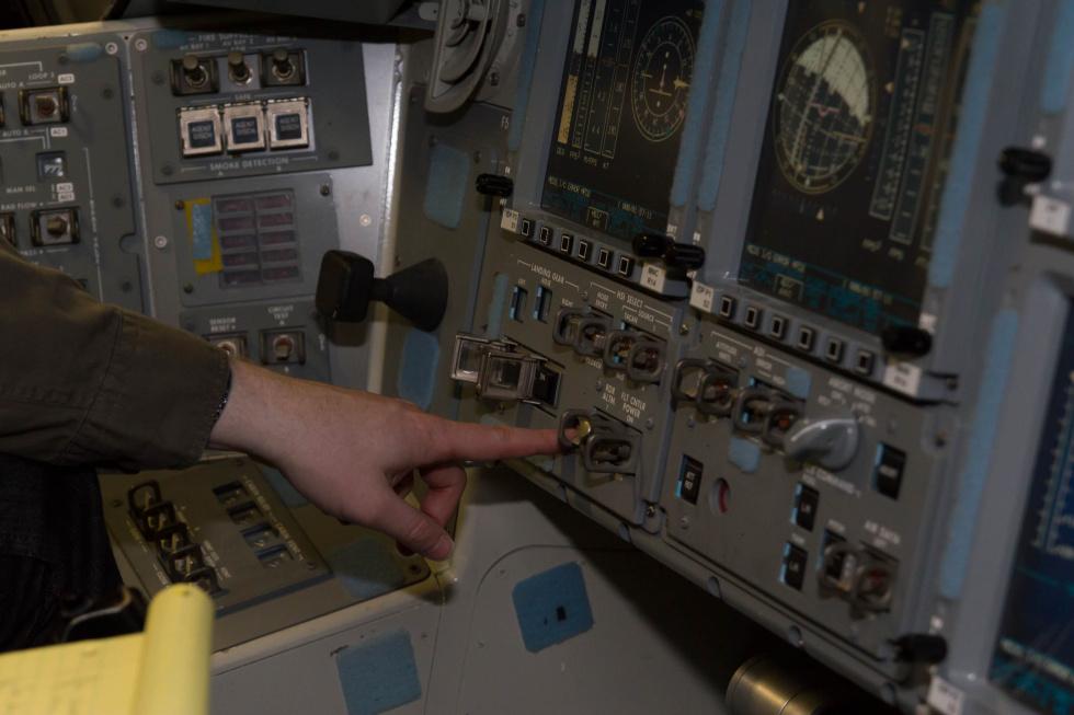 space shuttle cockpit trainer - photo #4