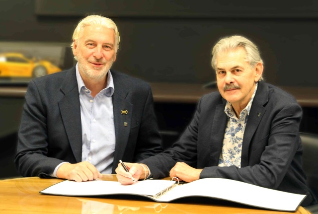 It's too early for any images of the Murray-designed TVR to have been released, so here's a photo of Gordon Murray and Les Edgar inking the contract.