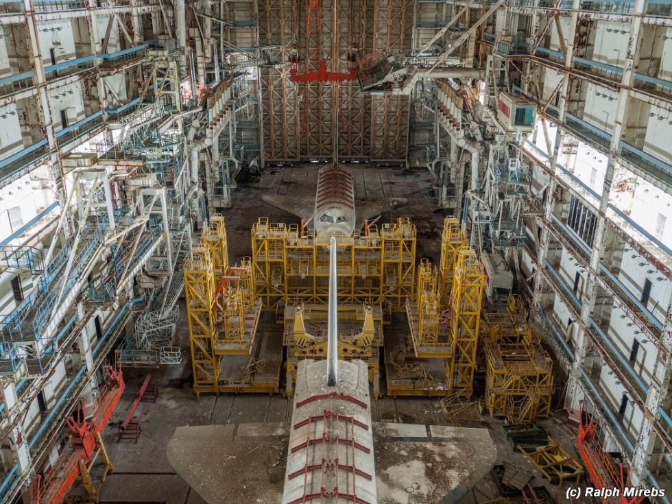 Stunning images of abandoned Soviet space shuttles ...