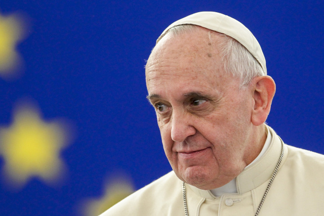 "Fake news peddlers and muckrakers risk ""sickness of coprophilia,"" says Pope"