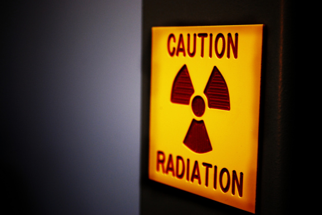 Wireless carriers sue to block cell phone radiation warning requirement