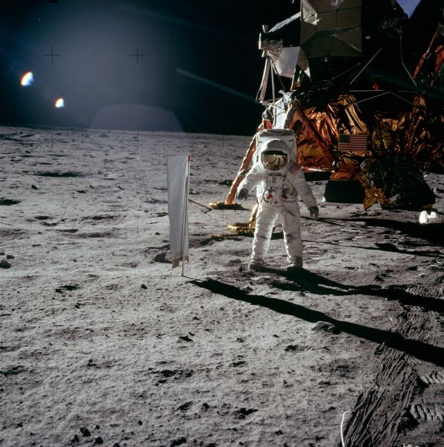 "No, a ""checklist error"" did not almost derail the first moon landing"