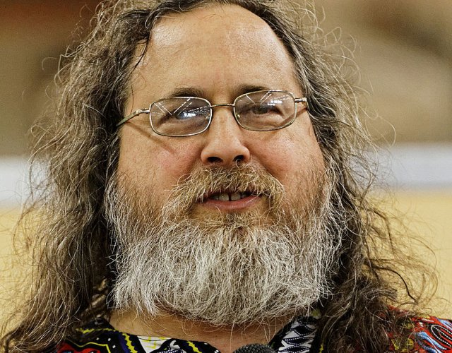 Richard Stallman (rms) wants you to buy your 'wares from Crowd Suppy.
