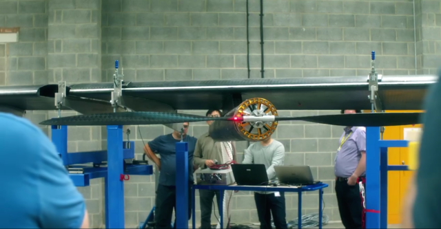 Facebook: Our drones will use lasers to deliver 10Gbps Internet access