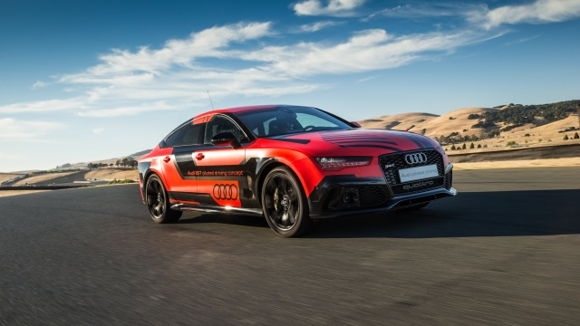 Robby The Autonomous Audi Learns To Lap A Race Track Ars Technica - Audi self driving car