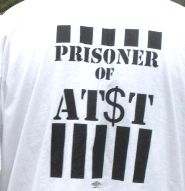 "AT&T field techs can be punished for wearing ""Prisoner of AT$T"" shirts"