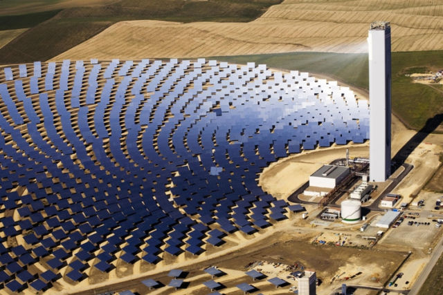 Greenhouse gas reductions on the cheap: Solar-aided coal