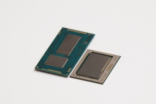 Core M Broadwell (left) vs. Core M Skylake (right).