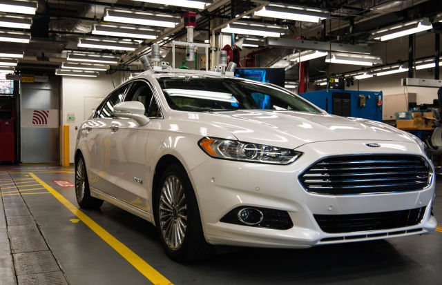 Apart from the sensor bar on the roof, this Ford Fusion Hybrid looks just like a normal car.
