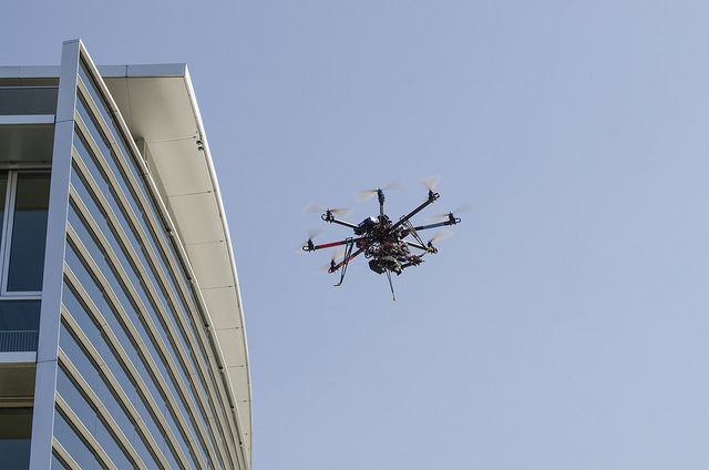 "Maryland ""hobbyist"" asks court to overturn FAA's new drone registration rule"