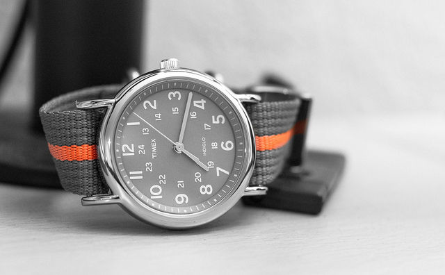 Timex teases the Metropolitan+, its first analog ...