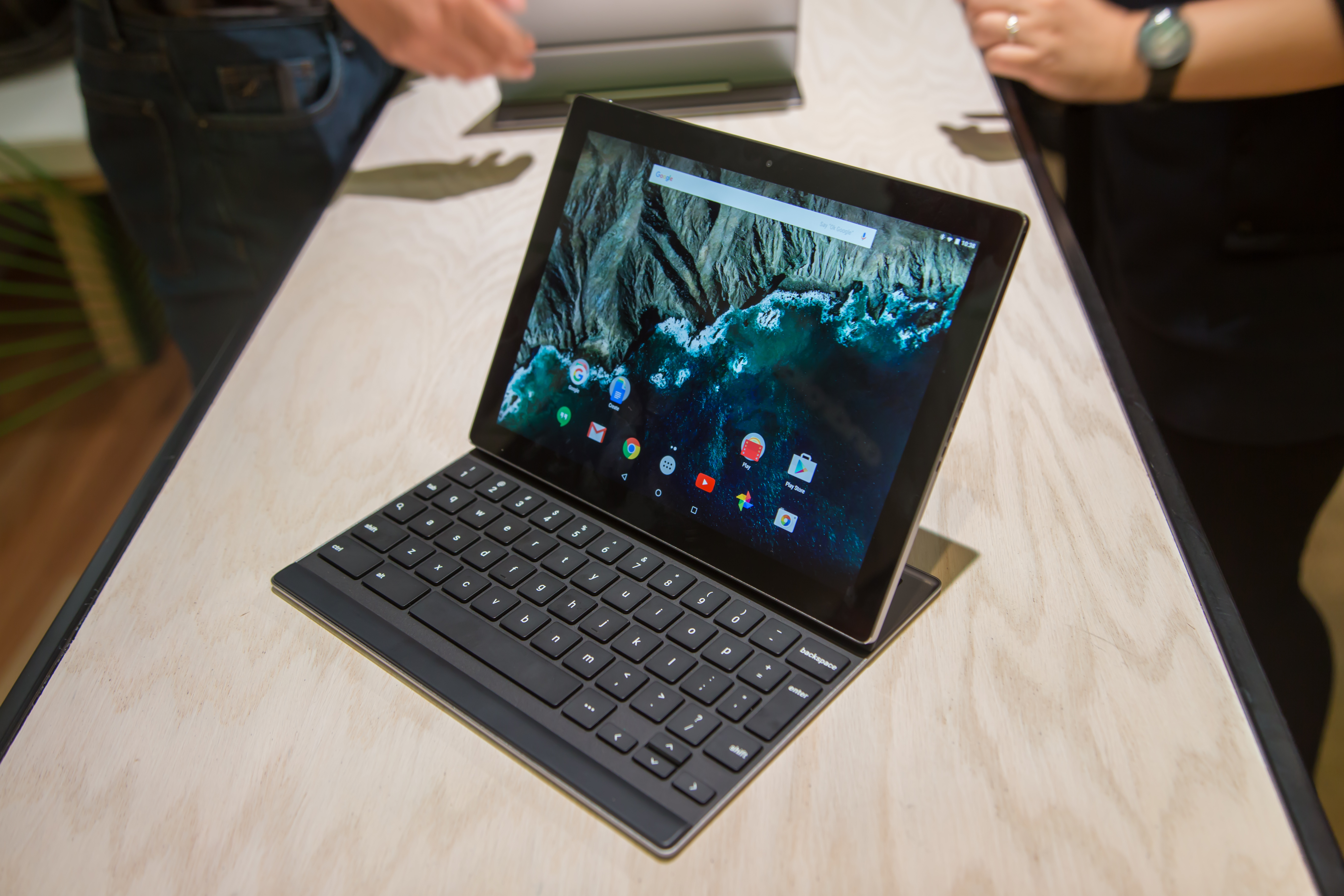 Google Pixel C Hands-on: A Well-built But Clunky