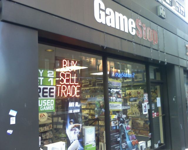 GameStop swaps console game downloads for physical discs in bundles