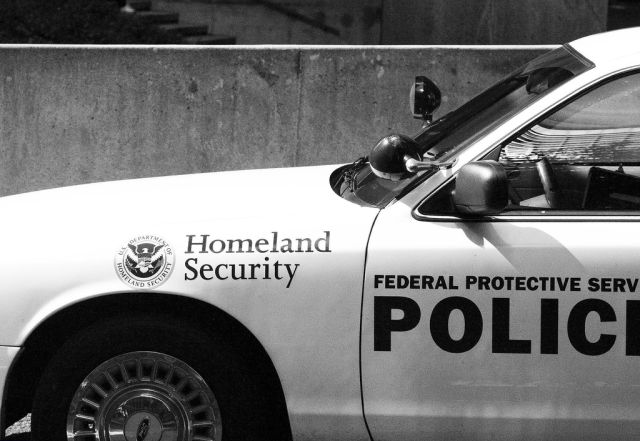 DHS now needs warrant for stingray use, but not when protecting president