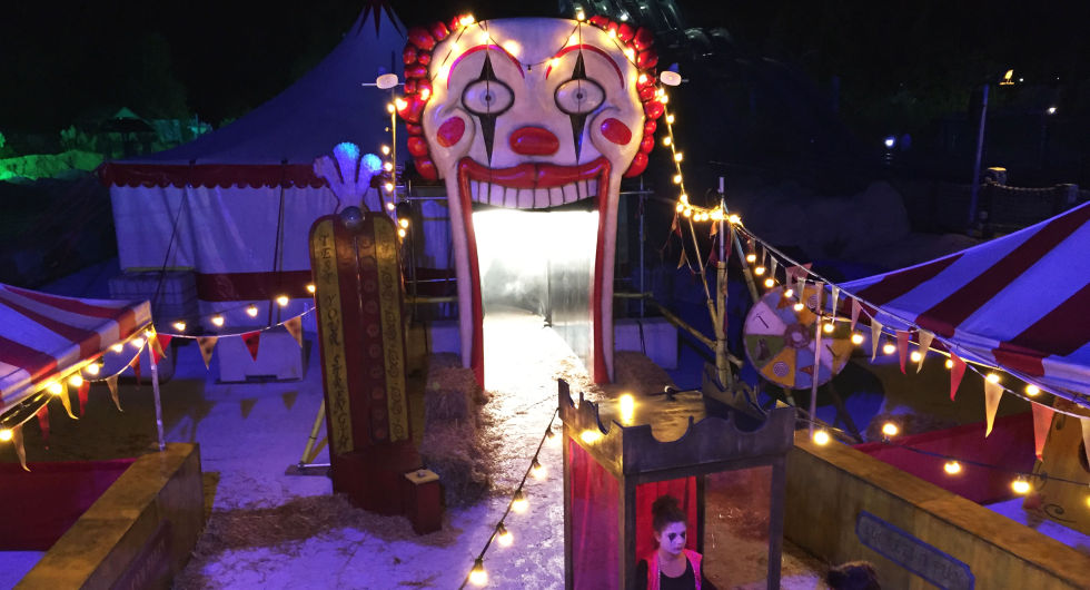 I wore an Apple Watch to this haunted amusement park to see if it's scary
