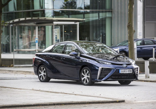 Hydrogen-powered cars for business get £2M fund from UK government