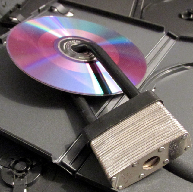 It's still illegal to rip DVD and Blu-ray discs for personal use