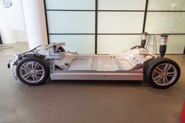 Reno Gazette-Journal says Tesla Gigafactory guards accosted