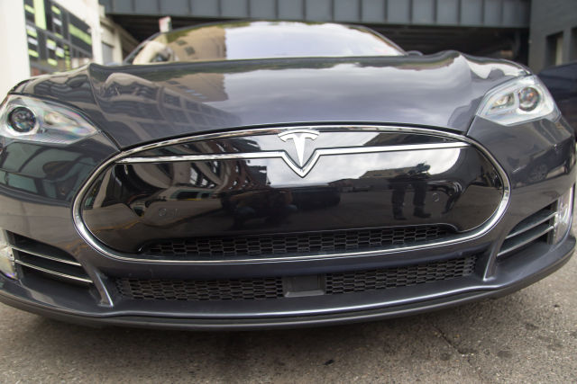 Feds Close Tesla Autopilot Probe, No Recall Required