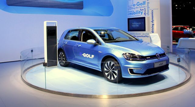 The e-Golf will need to get a software update to smooth out a battery issue.