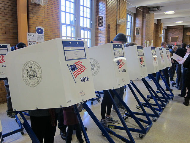 Judge overturns ban on ballot selfies