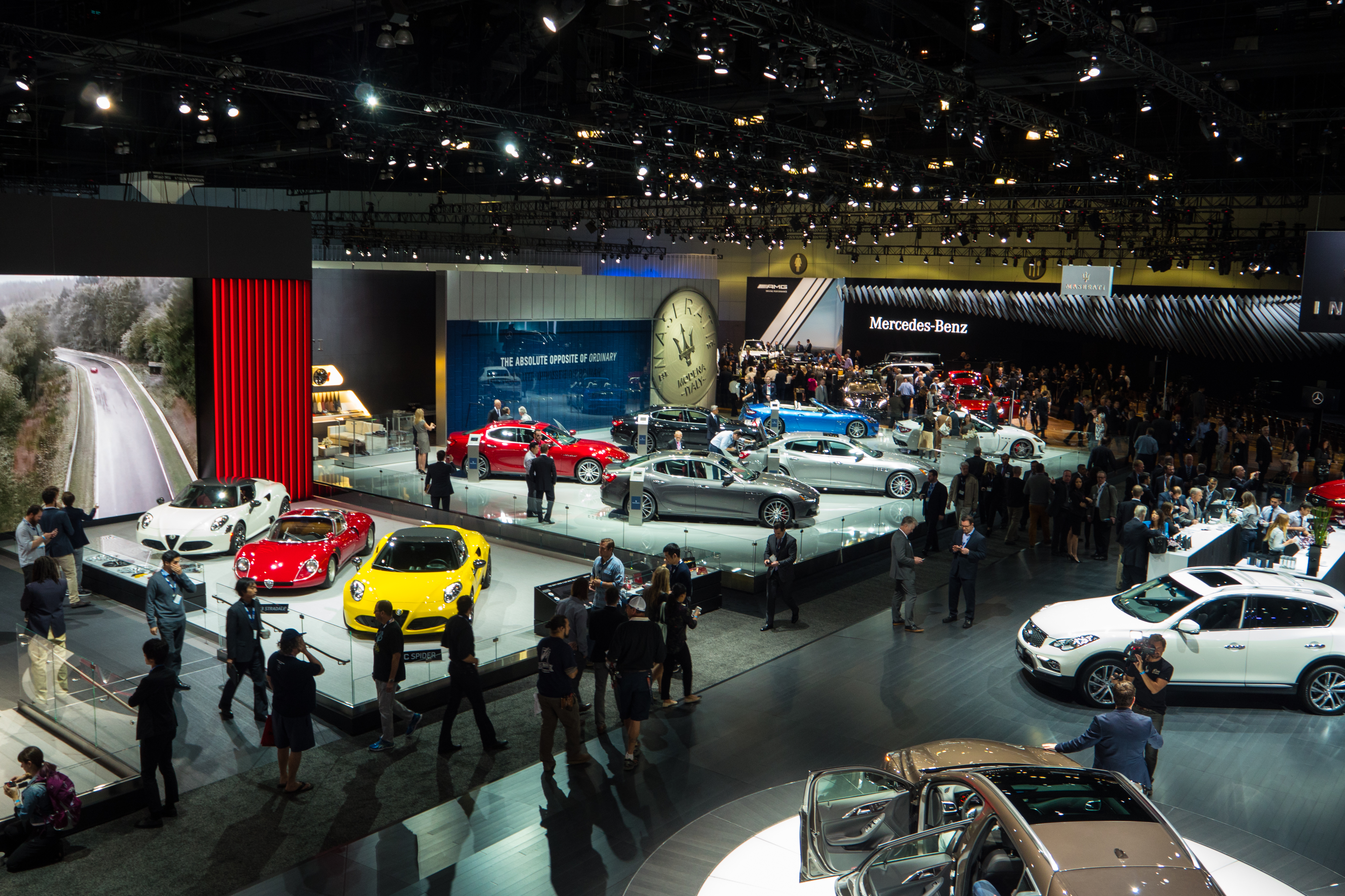 2015 los angeles auto show tech augmented reality manuals and retina display maps ars technica. Black Bedroom Furniture Sets. Home Design Ideas