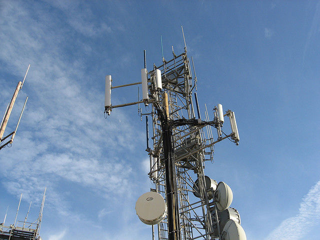Supreme Court declines to decide whether you need a warrant to get cell site data