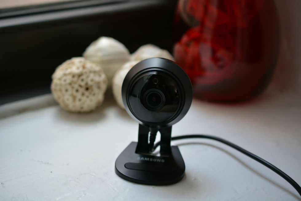 Samsung's Smartcam HD Plus is like a Nest Cam that's not shackled to the cloud