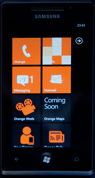 Windows 10 Mobile Review On