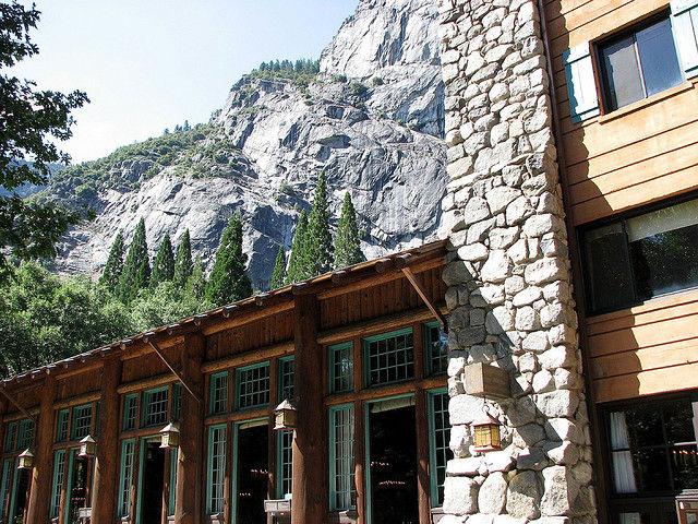 "Despite some locale renaming, ""Yosemite National Park"" trademark dispute persists"