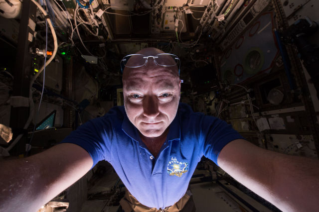 After 340 days in space Scott Kelly is ready to come home and jump in his pool.