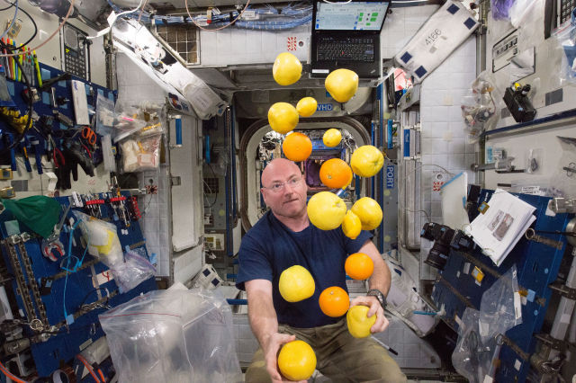 Scott Kelly will be able to eat all the fresh fruit he wants next week.