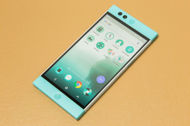 The Nextbit Robin.
