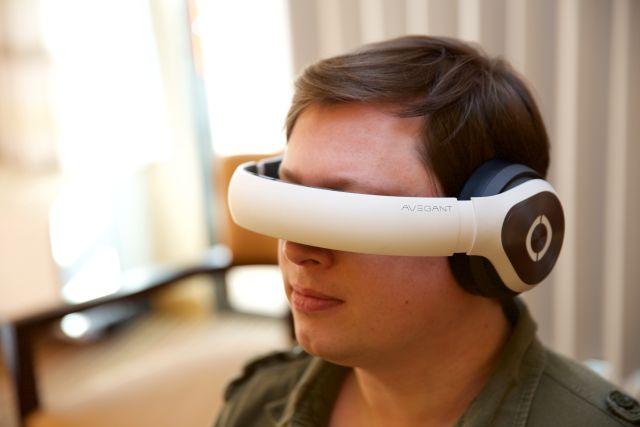 Trying out a nonfunctional Glyph prototype at CES 2015. Props to the Avegant people, because the shipping model looks pretty much exactly like this.