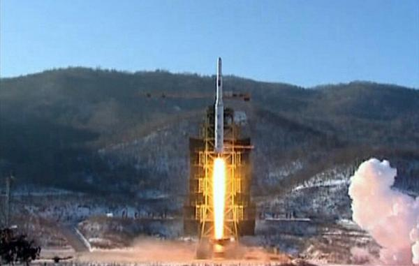 North Korean image purported to be of the launch of the Kwangmyŏngsŏng-4 satellite (though it may actually be of an earlier launch).