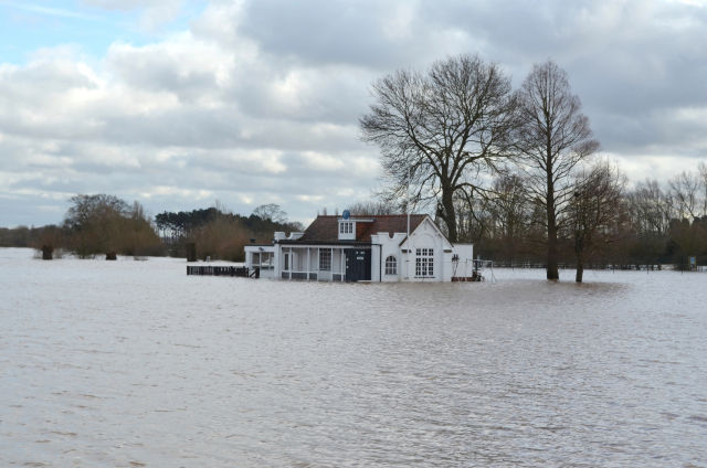 Early 2014 UK flooding made more likely by climate change