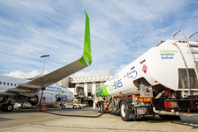 LAX to SFO flights from United Airlines move to biofuel blend