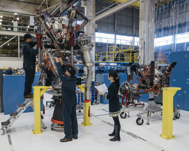 Behind the curtain: Ars goes inside Blue Origin's secretive rocket