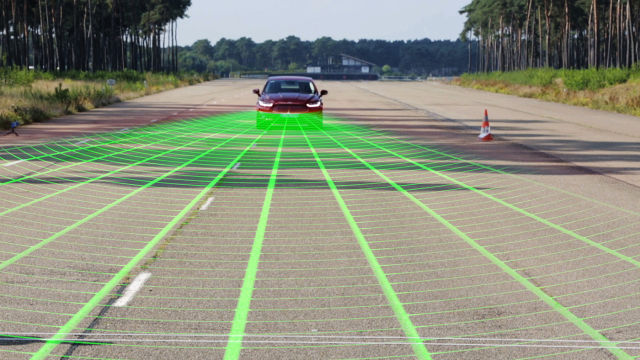 10 more OEMs pledge to make auto-braking standard in new cars