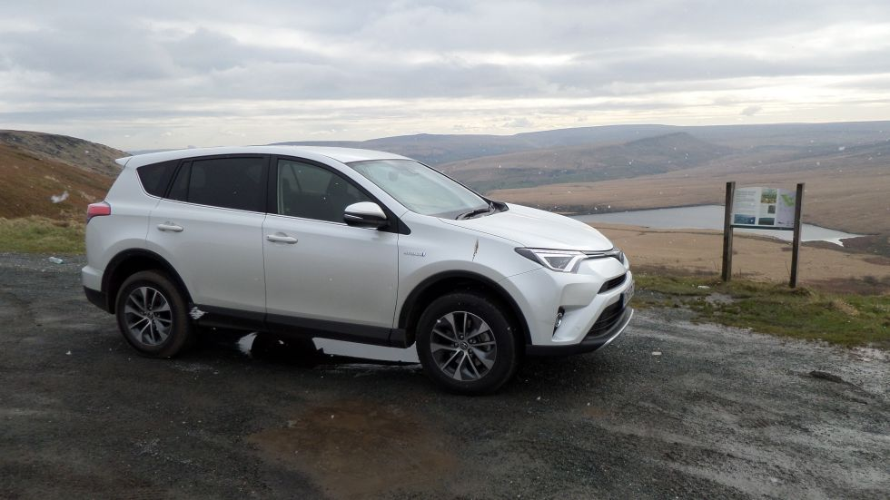 Toyota RAV4 review: Disappointing economy, stodgy handling, and forgettable looks