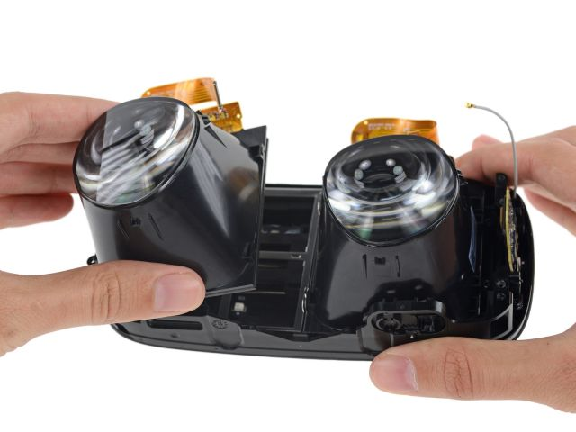 iFixit digs into Oculus Rift's 461 PPI OLED display, custom lenses