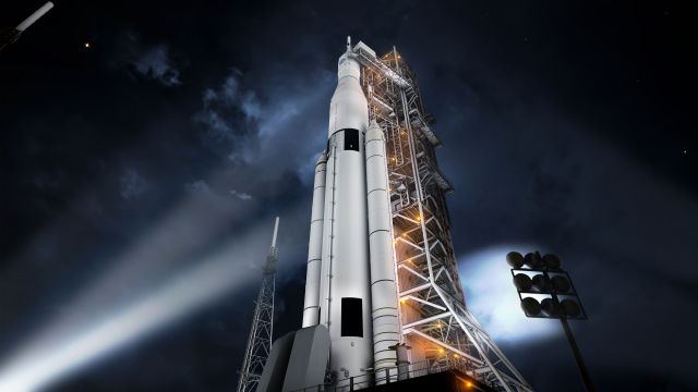 An artist's impression of the Space Launch System on the launch pad in Florida.