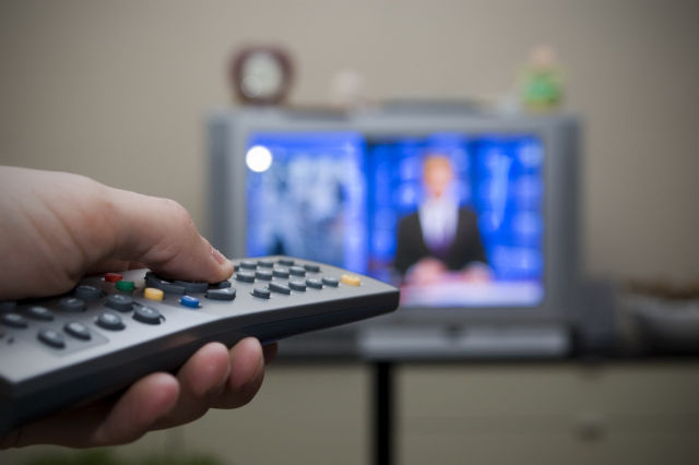 FCC's cable box rules won't prohibit extra ads around TV channels
