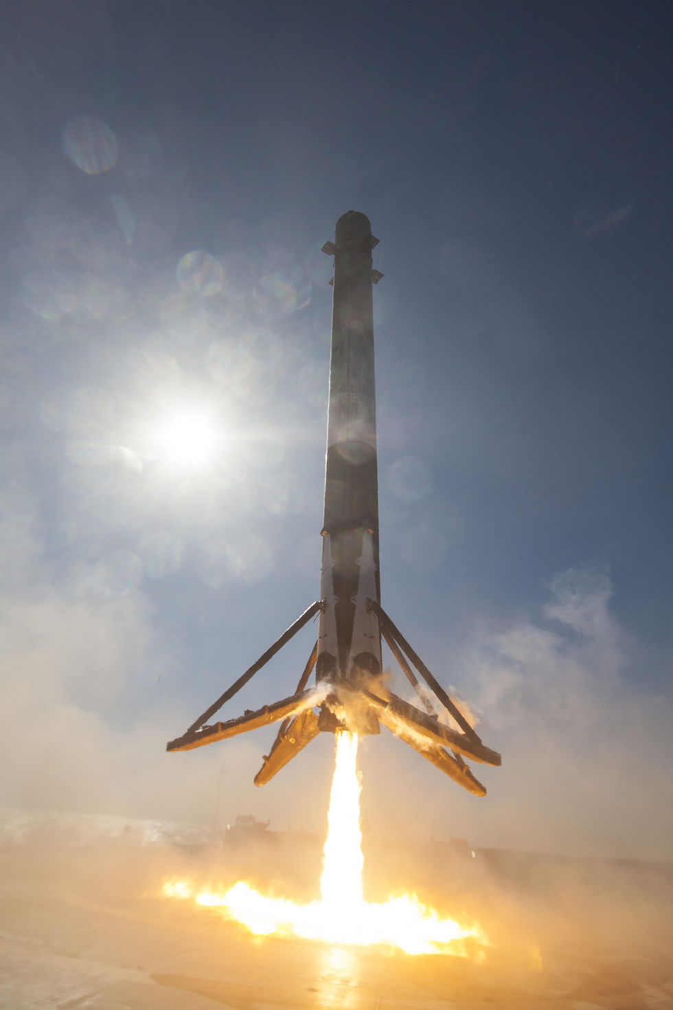 SpaceX shares photos so we can relive the glory of landing ...