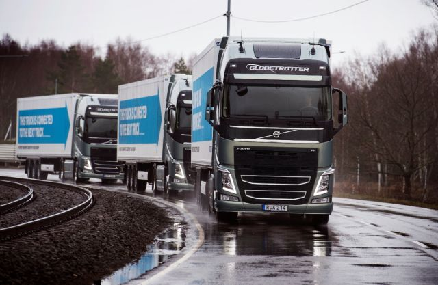 Semi-autonomous lorry platoons are headed to Rotterdam from across Europe